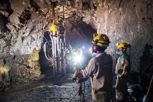 Mineração subterrânea.